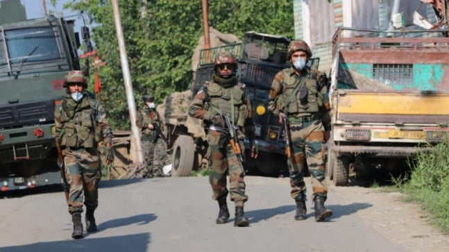 5 militants killed in parallel encounters in Kashmir, forces enter mosque in Pampore